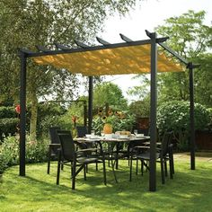 Bosmere A020 Latina Free-Standing Retractable Canopy