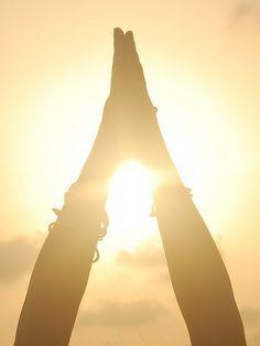 & Sun: 10 Steps to a Full Cycle Yoga Practice. ~ Indra Singh Moon & Sun: 10 Steps to a Full Cycle Yoga Practice. ~ Indra SinghMoon & Sun: 10 Steps to a Full Cycle Yoga Practice. Yoga Kundalini, Yoga Meditation, Yoga Flow, Yoga Inspiration, Namaste, Image Yoga, Yoga Pictures, Meditation Pictures, Yoga Posen