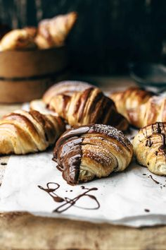 Ready to make the best homemade Croissant recipe? This is an original French Croissant recipe fully translated into English and calculated in cups and grams. I show you how to make a croissant with a step-by-step video. With secret trick to simulate a professional oven for perfectly flaky French Croissants.