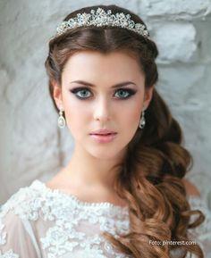tiara muy clasica