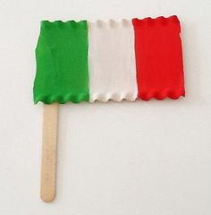 Italy ~ Let's Explore (Easy Italian Flag Craft) My daughter has to make an Italian Flag for soccer camp and I thought this is a cool idea!!!