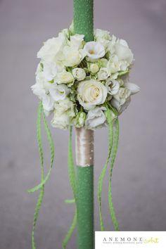 Poza, foto cu Flori de nunta alb, crem, glob, lumanare botez, verde in Arad, Timisoara, Oradea (wedding flowers, bouquets) nunta Arad, Timisoara, Oradea