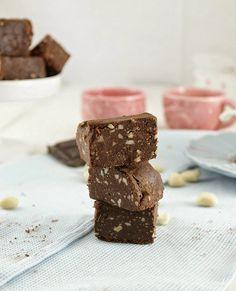 fudge de chocolate e manteiga de amendoim sem açúcar, sem açúcar, vegan