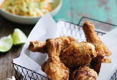 Buttermlich-Hühnerkeulen mit Coleslaw