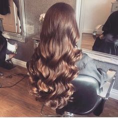 Shared by Evelyn. Find images and videos about hair, beauty and hairstyle on We Heart It - the app to get lost in what you love. Beautiful Long Hair, Gorgeous Hair, Wavy Hair, Dyed Hair, Wavy Perm, Curly Hair Styles, Natural Hair Styles, Aesthetic Hair, About Hair