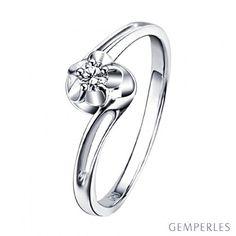 Bague solitaire fleur d'amour diamantée - En or blanc - Paul Verlaine #bague #solitaire #diamant #amour #love #diamond #ring #engagement #orblanc #whitegold