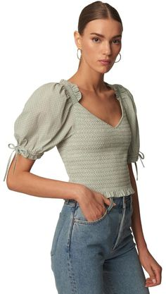 Click product to zoom Cute Casual Outfits, Pretty Outfits, Casual Dresses, Stylish Tops, Minimal Fashion, Colorful Fashion, Corsage, Blouse Designs, Cute Dresses
