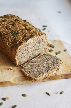 Chleb z Ziaren i Orzechów Bread Recipes, Cooking Recipes, Bakers Gonna Bake, Polish Recipes, Yummy Eats, Bread Baking, Food Inspiration, Baked Goods, Food To Make