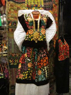 Discover recipes, home ideas, style inspiration and other ideas to try. Mexican Costume, Mexican Outfit, Mexican Dresses, Mexican Style, Mexican Heritage, Mexican Art, Traditional Mexican Dress, Traditional Dresses, Mexican Fashion