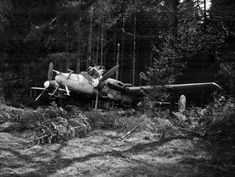 WW2 Photo WWII Abandoned Bf110 Night Fighter Munich Me110 World War Two / 5287 - $5.99   PicClick