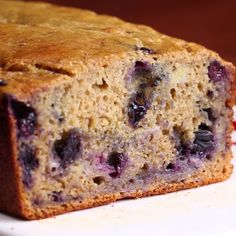 Eat Stop Eat To Loss Weight - Healthy Blueberry Banana Bread - In Just One Day This Simple Strategy Frees You From Complicated Diet Rules - And Eliminates Rebound Weight Gain Blueberry Banana Bread, Healthy Banana Bread, Banana Bread Recipes, Banana Bread With Blueberries, Ww Bread Recipe, Healthy Blueberry Desserts, Banana Bread Recipe Video, No Sugar Banana Bread, Carrot Bread Recipe
