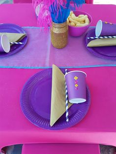 Shimmer and Shine table setting