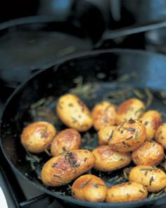 Rosemary fingerling potatoes // http://www.jamieoliver.com/recipes/vegetables-recipes/baked-new-potatoes-with-sea-salt-and-rosemary