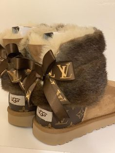 Womans Ugg Boots Customized With Louis Vuitton Coated canvas bag material & Mink fur any size. Ugg Boots Outfit, Ugg Style Boots, Louis Vuitton Shoes, Louis Vuitton Handbags, Shearling Boots, Leather Boots, Danse Twerk, Doc Martens Boots, Vegan Boots