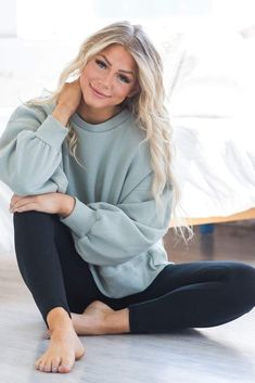 Leggings Outfit Winter, Cute Outfits With Leggings, Fleece Leggings, Sweaters And Leggings, Cotton Leggings, Cardigans, Mom Outfits, Trendy Outfits, Cute Casual Outfits For Teens