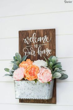 Simple DIY Welcome Sign - wood sign - planter DIY - planter decor - wood sign d.Simple DIY Welcome Sign - wood sign - planter DIY - planter decor - wood sign decor - home decorations I ordered this wall planter a couple months ago. Diy Home Decor Rustic, Easy Home Decor, Handmade Home Decor, Cheap Home Decor, Farmhouse Decor, Farmhouse Signs, Diy House Decor, Rustic Wood Decor, Farmhouse Front Porches