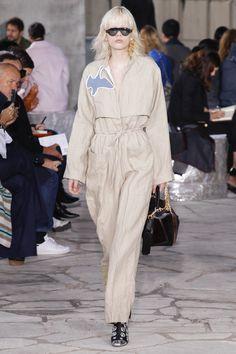 Loewe Spring 2016 Ready-to-Wear Fashion Show - Phillipa Hemphrey (OUI)