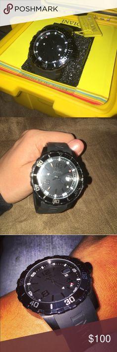 Men's Invicta Watch Rubber Strap no.21549 w/case Men's Invicta Watch Rubber Strap no.21549 w/case Brand New still in plastic! Comes with one slot dive case. Invicta Accessories Watches