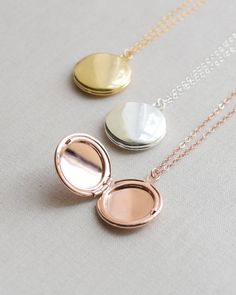 Round Locket Necklace Rose Gold Gold and Silver por OliveYewJewels