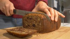 I love to eat my banana bread for breakfast. Check the link to watch the video and recipe of how to make this banana bread. Homemade Banana Bread, Banana Bread Recipes, Homemade Orange Marmalade Recipe, Different Types Of Bread, Cake Flour, Quick Bread, My Recipes, Food To Make