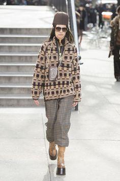 48 Best Chloe images   Fall winter, Fashion show, Fashion news 7adb1c015063
