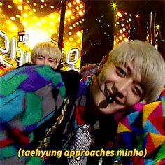 Another cute moment between Taehyung and Minho Shinee Minho, Jonghyun, Choi Min Ho, Happy Photos, Seo Joon, Kpop Guys, Bts And Exo, Tvxq, Bts Taehyung
