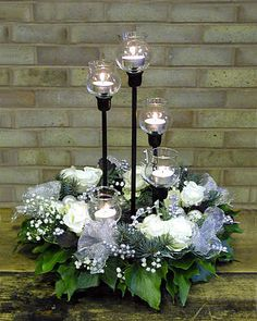 Really loved this Christmas floral centrepiece!