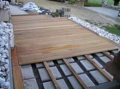 Elegant Holzterrasse selber verlegen