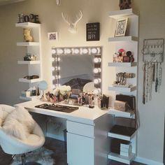 Dream Rooms, Dream Bedroom, Cute Room Ideas, Vanity Room, Glam Room, Ideias Diy, Makeup Rooms, Beauty Room, House Rooms