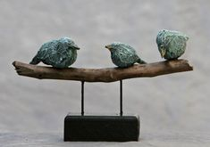 give a GIFT CARD? Nice present at a birthday, or saying goodbye to a c . - give a GIFT CARD? Nice present at a birthday, or a farewell to a colleague - Sculptures Céramiques, Fish Sculpture, Pottery Sculpture, Clay Birds, Ceramic Birds, Twig Art, Metal Figurines, Stick Art, Art Diy