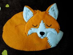 This beautiful red fox is peacefully sleeping under the fall of autumn leaves...    The design is original and you will not find any other cover