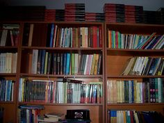 Arta Cărții: De colecție Bookcase, Shelves, Home Decor, Shelving, Decoration Home, Room Decor, Book Shelves, Shelving Units, Home Interior Design