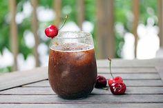 A gdyby tak połączyć wiśnie z rumem?... http://magicznyswiatksiazki.pl/?p=12323