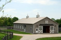 One. Of. My. Favorite. Barns. I love it soooooooooooo much! Should this be the colt and filly barn?