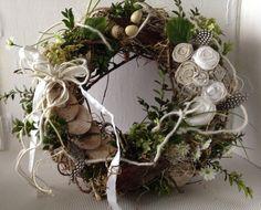 Kranz Frühlingskranz XL von einfachschön! auf DaWanda.com Door Wreaths, Grapevine Wreath, Diy Christmas Tree, Christmas Wreaths, Pergola Garden, Welcome Wreath, Easter Wreaths, Summer Wreath, Dried Flowers