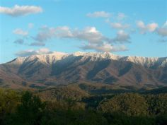 "Gatlinburg, Cabin Rentals "" View above the Rest"""