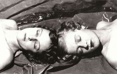 Cecil Beaton photograph of two Bright Young Things, twins Zita and Teresa Jungman