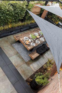 With shade cloths you shield your garden from harsh sun and rain shade cloths Diy Patio, Backyard Patio, Outdoor Rooms, Outdoor Gardens, Front Garden Landscape, Vertical Garden Design, Home Landscaping, Backyard Retreat, Garden Care