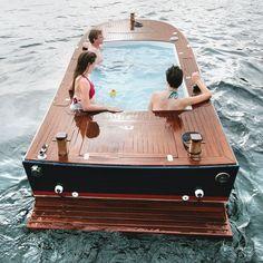 En este jacuzzi-barco en Seattle, Washington. | 30 Lugares en los que preferirías estar sentado en este momento