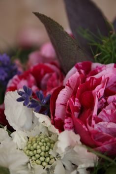 Flowers by Amber Persia | Flowers & Event www.amberpersia.co.uk.