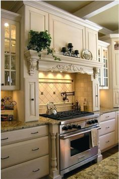 10 Best French-Country Kitchen Design Ideas To Inspire You - GODIYGO.COM French country design is known by its classic and luxurious design. It is commonly loved by the rich people who … Country Kitchen Cabinets, Country Kitchen Designs, French Country Kitchens, French Country Decorating, Country French, Kitchen Country, Kitchen Sinks, French Style, Country Kitchen Interiors