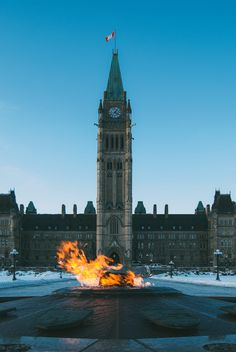Fun Things to Do In Canada. Canada is a country that has a lot to offer its visitors from the picturesque islands and wonderful mountain waterfalls. Old Quebec, Quebec City, Canada Travel, Asia Travel, Banff National Park, National Parks, Ottawa Canada, Ottawa City, Montreal Canada