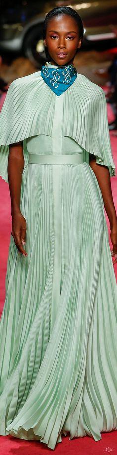 Haute Couture Gowns, Couture Fashion, Spring Fashion, High Fashion, Style Fashion, Brandon Maxwell, Fashion Labels, Green Dress, Catwalk