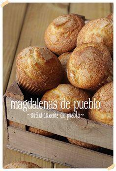 Más Recetas en https://lomejordelaweb.es/   Magdalenas de pueblo {by Paula, Con las Zarpas en la Masa