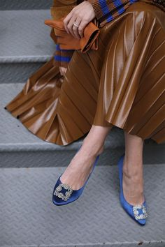 Fall details. Heels and gloves. Stripes and pleats.