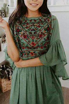 indian designer wear Excellent are readily available on our site. look at this and you wont be sorry you did. Boho Dress, Dress Skirt, Dress Up, Bohemian Style Dresses, Look Fashion, Indian Fashion, Fashion Tips, Bohemian Fashion, Fashion Ideas