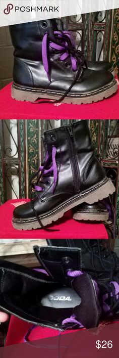 SODA MILITARY STYLE COMBAT BOOTS Size 7. Black with black laces. Additional purple pair of laces for stylish fun :-) Great tread. Padded insole for comfort. True to size. Side zipper for easy on and off. SODA Shoes Combat & Moto Boots