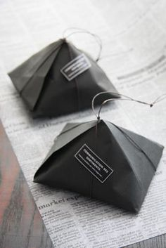 Design your own custom tissue packaging paper with logos - noissue Tea Packaging, Paper Packaging, Print Packaging, Packaging Design, Product Packaging, Packaging Ideas, Fabric Gifts, Soap Recipes, Cloth Bags