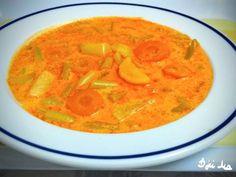 Zöldséges zöldbableves (tejfölösen) Thai Red Curry, Food And Drink, Ethnic Recipes, Soups, Soup