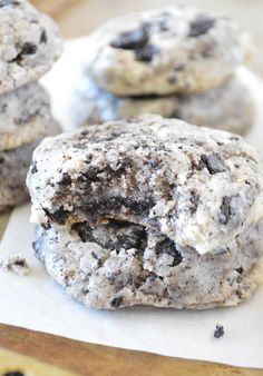 I'm SO EXCITED to show you guys these Oreo Cheesecake Cookies – thick, chewy cookies PACKED with Oreo cheesecake flavor! Like my Nutella-Stuffed Chocolate Chip Cookies, I knew an Oreo cookie recipe had to make its way here sooner, rather than later. These came out looking and tasting just how I wanted,on my first attempt...Read More »